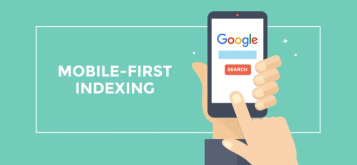 Imagem ilustrativa sobre indexação mobile first com uma mão segurando um celular e navegando no site do Google